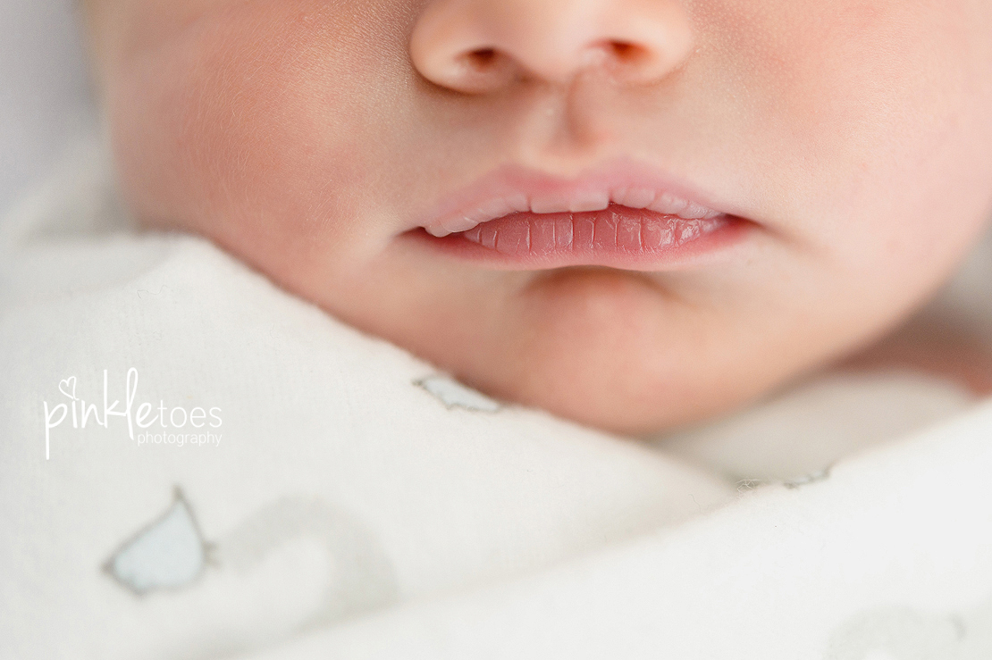 pinkle-toes-austin-newborn-lifestyle-photography-002