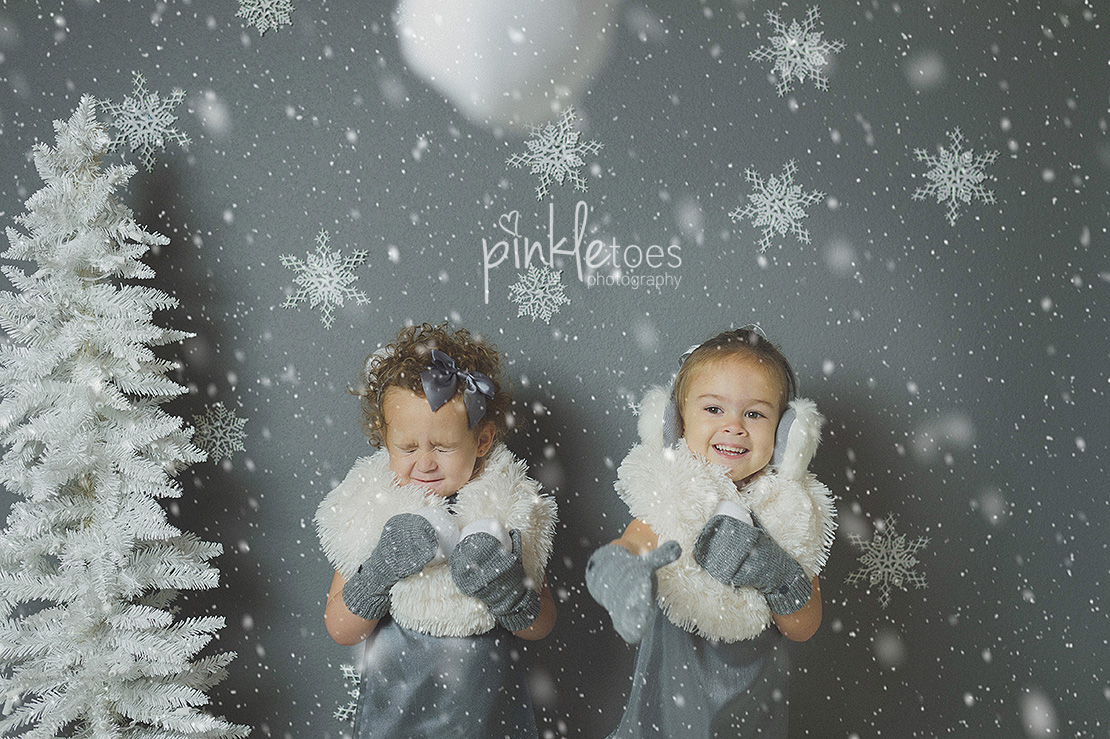 austin-holiday-christmas-mini-session-winter-wonderland-kids-snow
