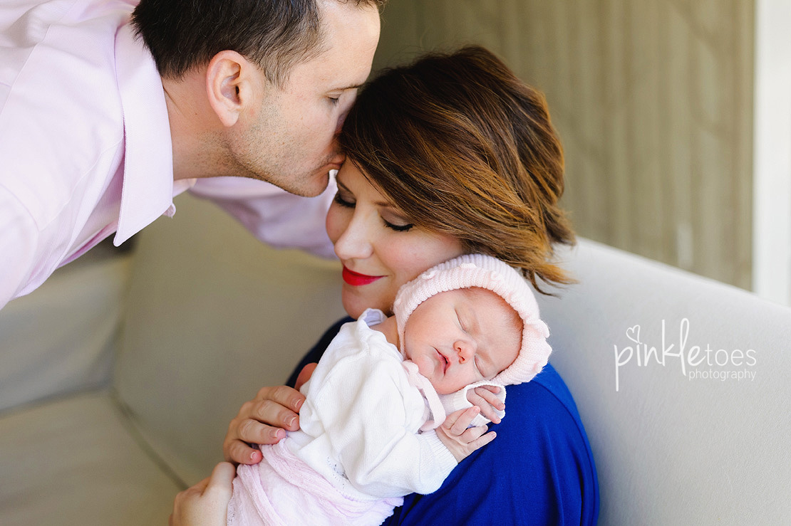 Pinkle-toes-austin-newborn-baby-girl-lifestyle-family-photographer-05