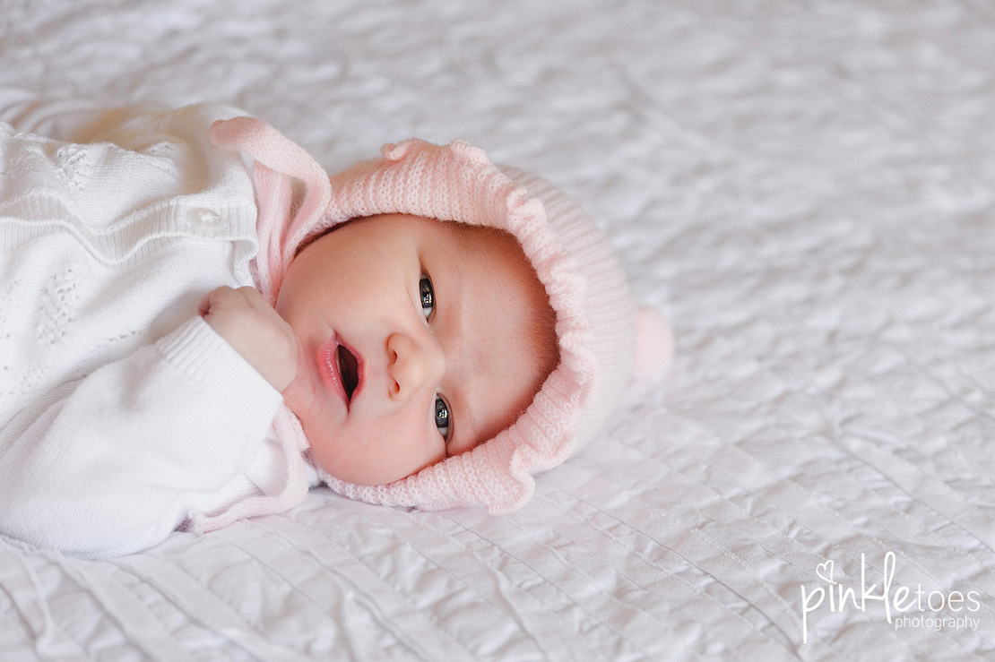 Pinkle-toes-austin-newborn-baby-girl-lifestyle-family-photographer-09