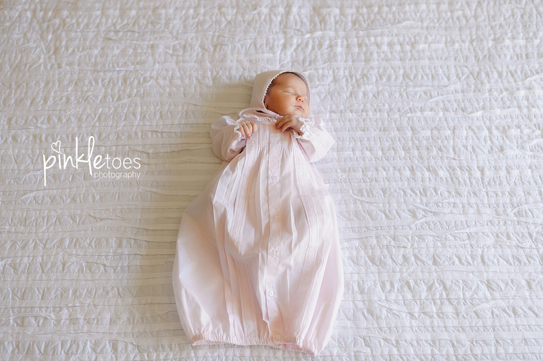 Pinkle-toes-austin-newborn-baby-girl-lifestyle-family-photographer-11