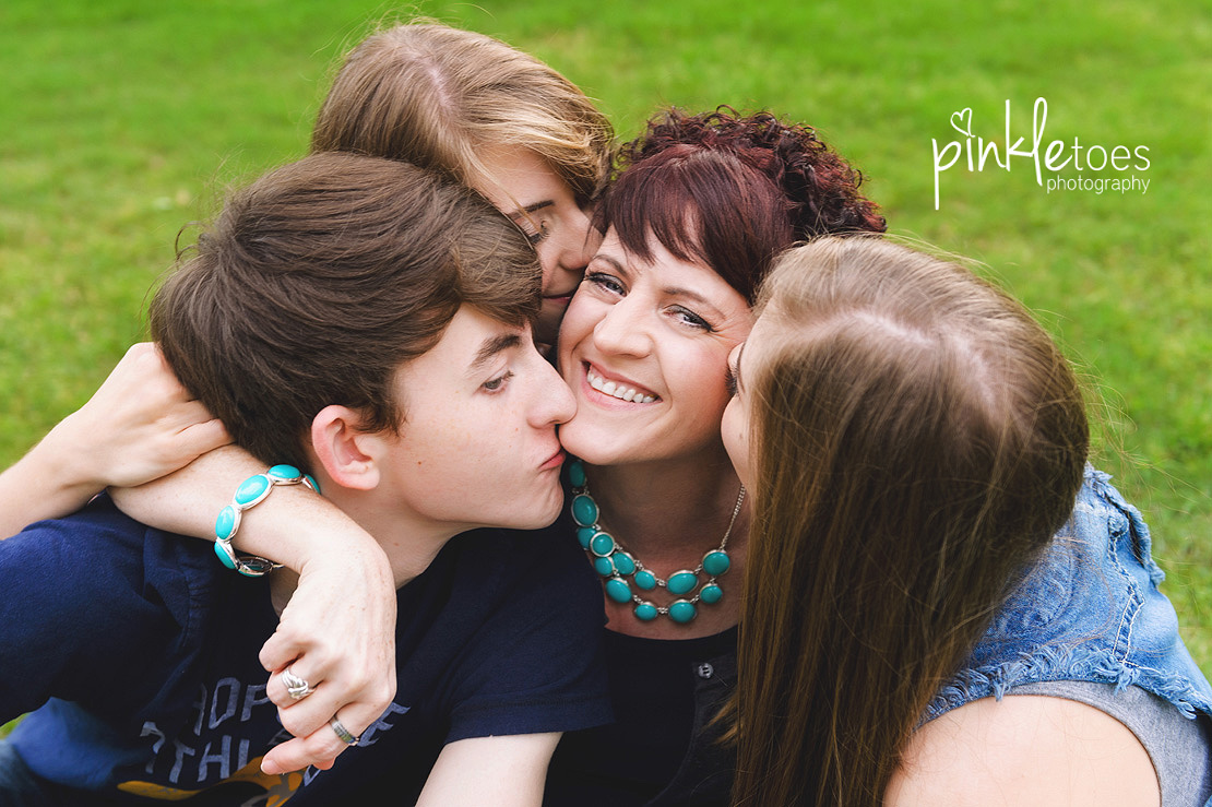 austin-marble-falls-lifestyle-family-photography-photo-shoot-home-teens-10