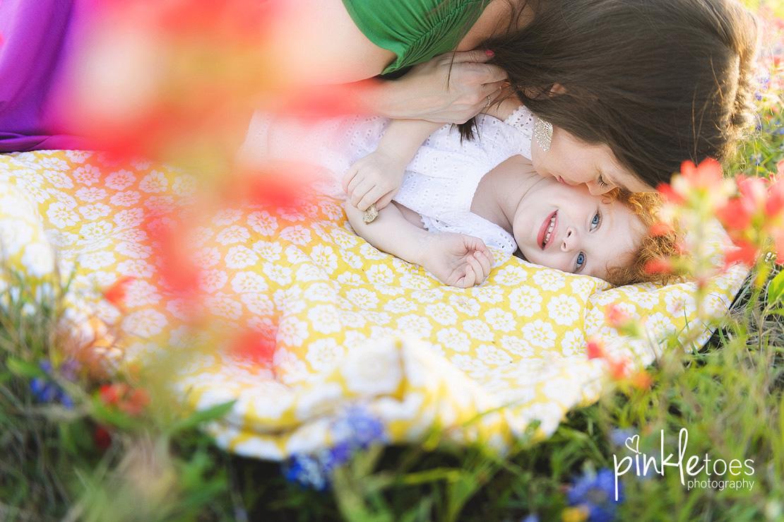 austin-maternity-pregnancy-photographer-bluebonnets-texas-redhead-girl-05