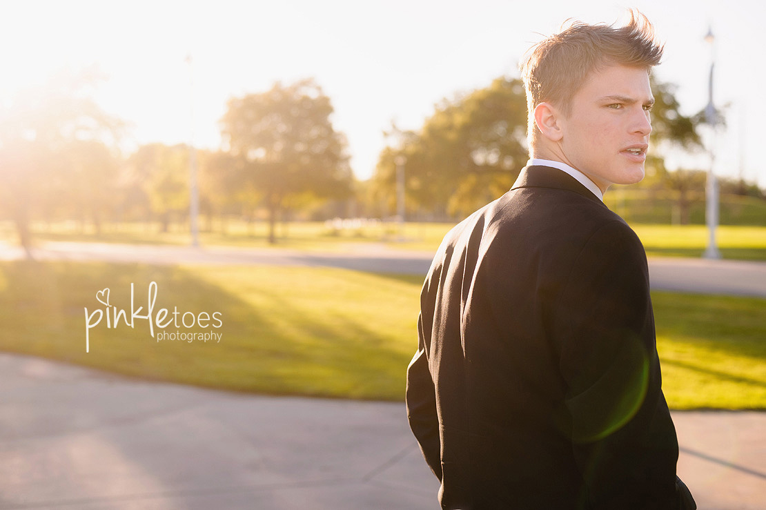 austin-senior-portraits-guy-texas-class-of-2015-2016-high-school-graduation-urban-austin-13