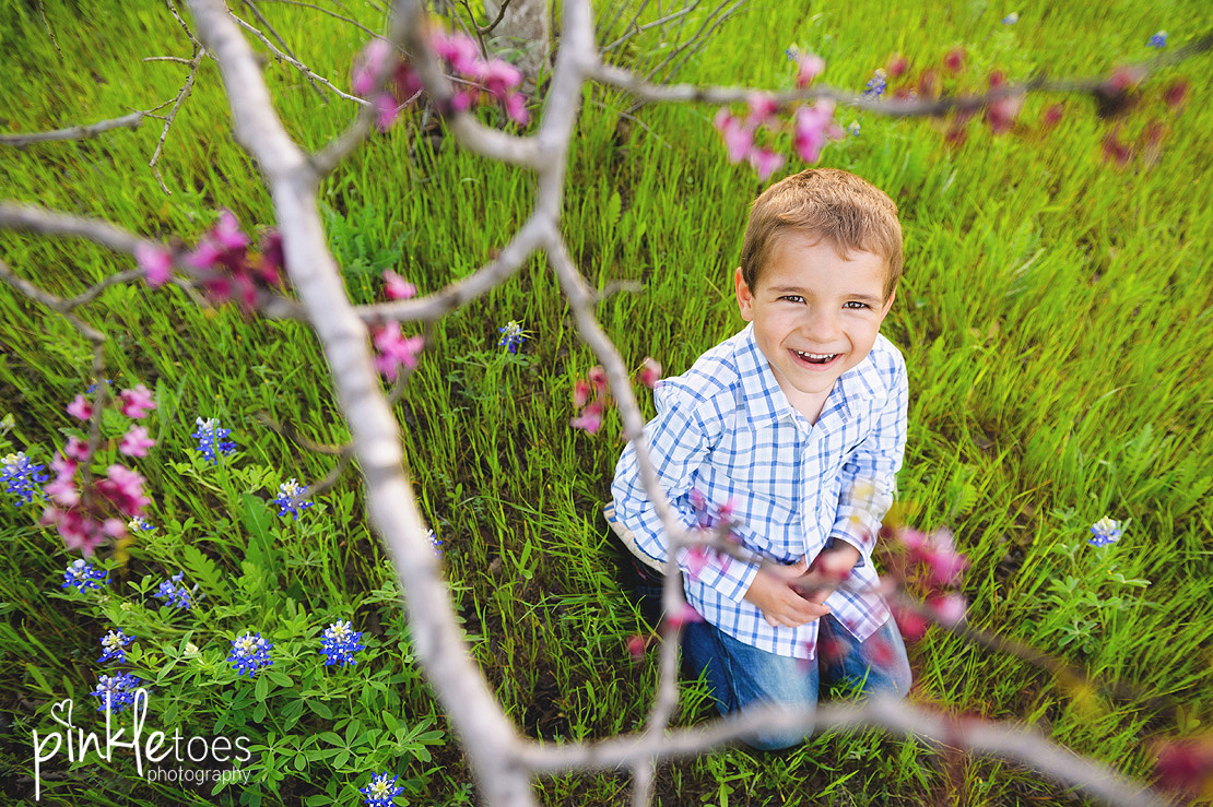 fun-candid-wildflower-austin-texas-family-kids-lifestyle-photographer-mckinney-falls-12