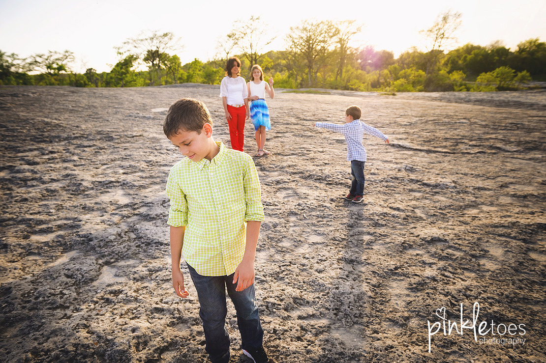 fun-candid-wildflower-austin-texas-family-kids-lifestyle-photographer-mckinney-falls-14