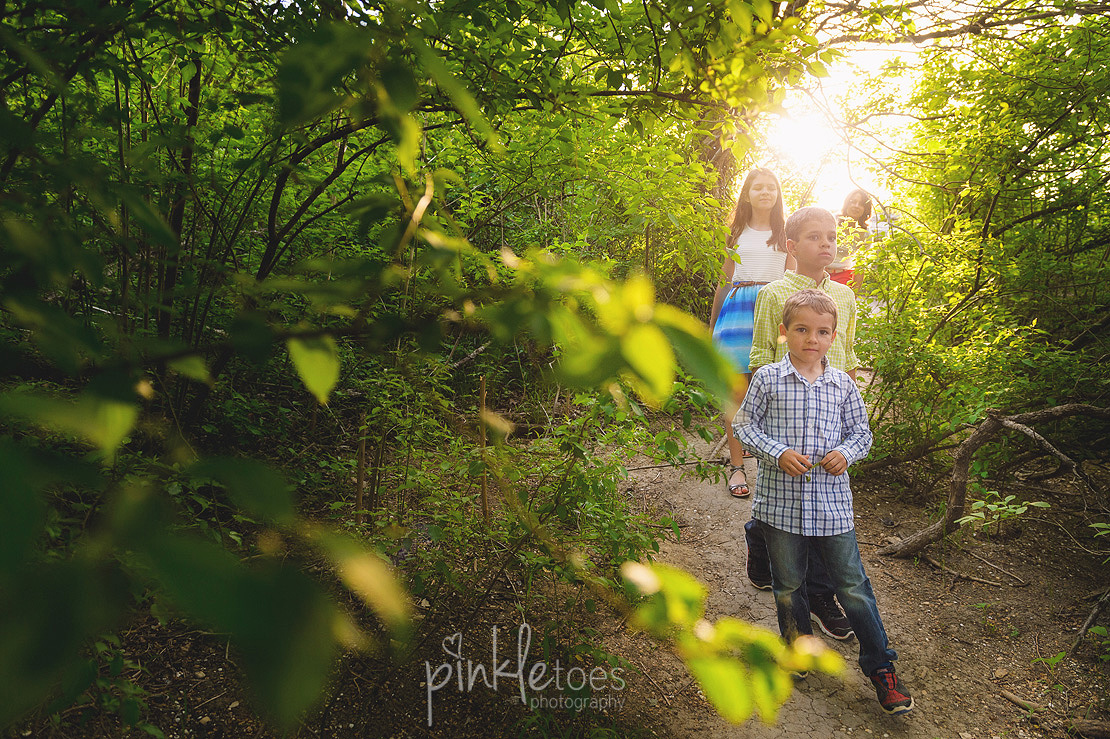 fun-candid-wildflower-austin-texas-family-kids-lifestyle-photographer-mckinney-falls-16
