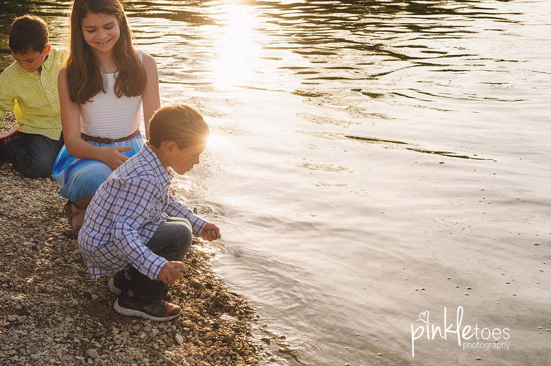 fun-candid-wildflower-austin-texas-family-kids-lifestyle-photographer-mckinney-falls-17