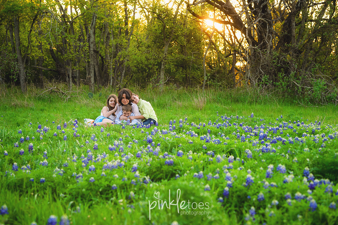 fun-candid-wildflower-austin-texas-family-kids-lifestyle-photographer-mckinney-falls-19