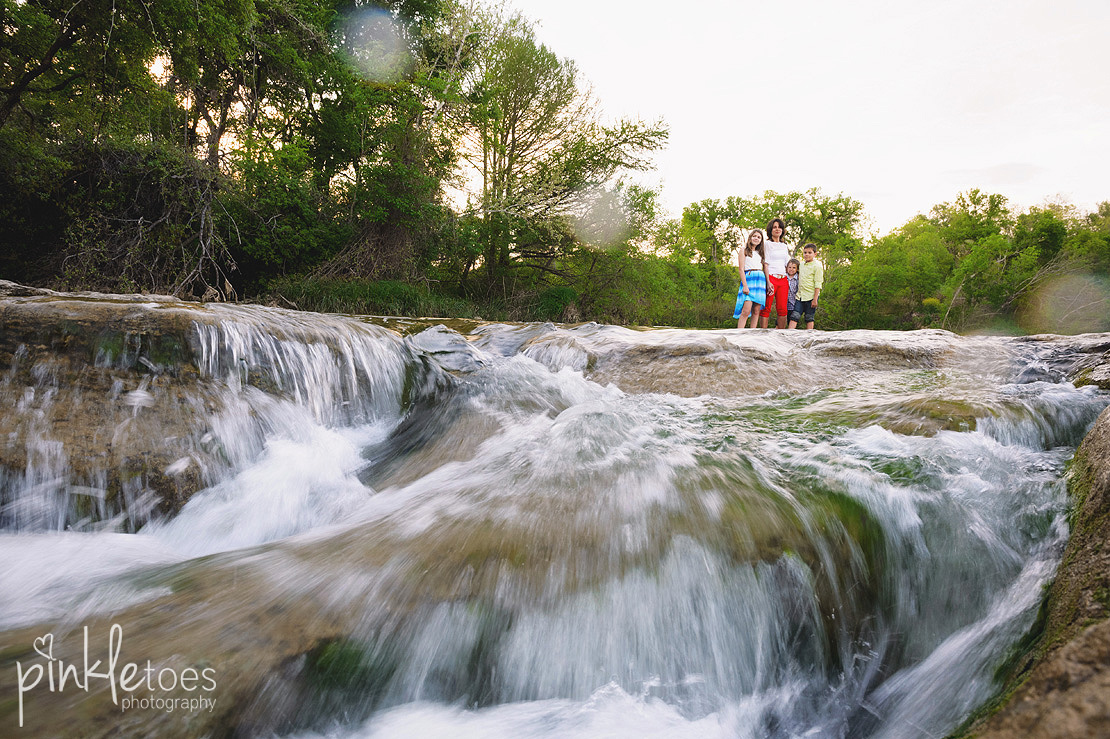 fun-candid-wildflower-austin-texas-family-kids-lifestyle-photographer-mckinney-falls-27