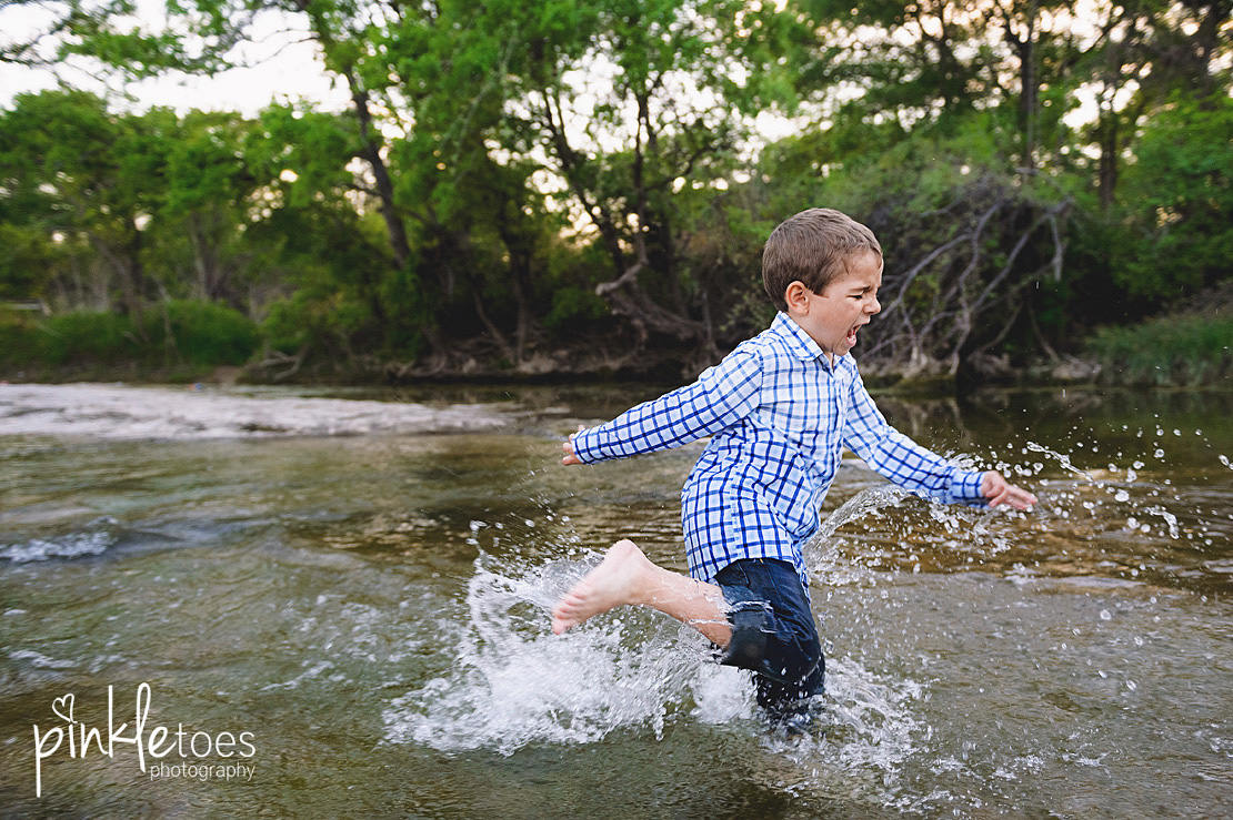 fun-candid-wildflower-austin-texas-family-kids-lifestyle-photographer-mckinney-falls-29