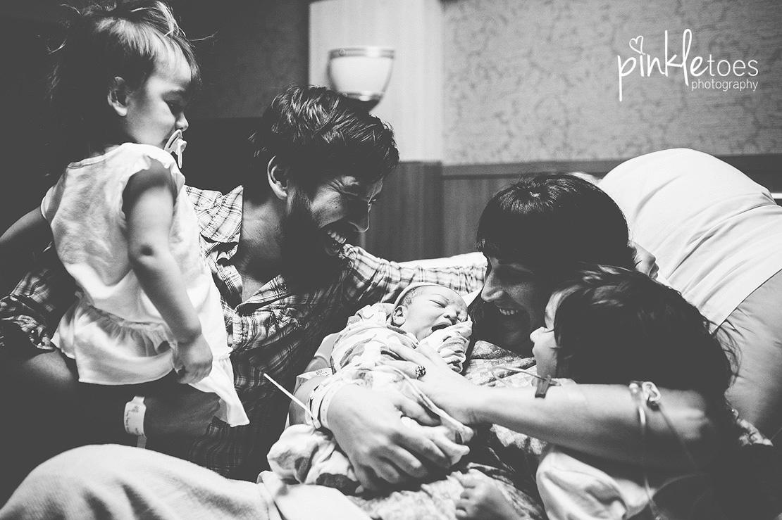 NEW-austin-birth-hospital-newborn-baby-photography-03