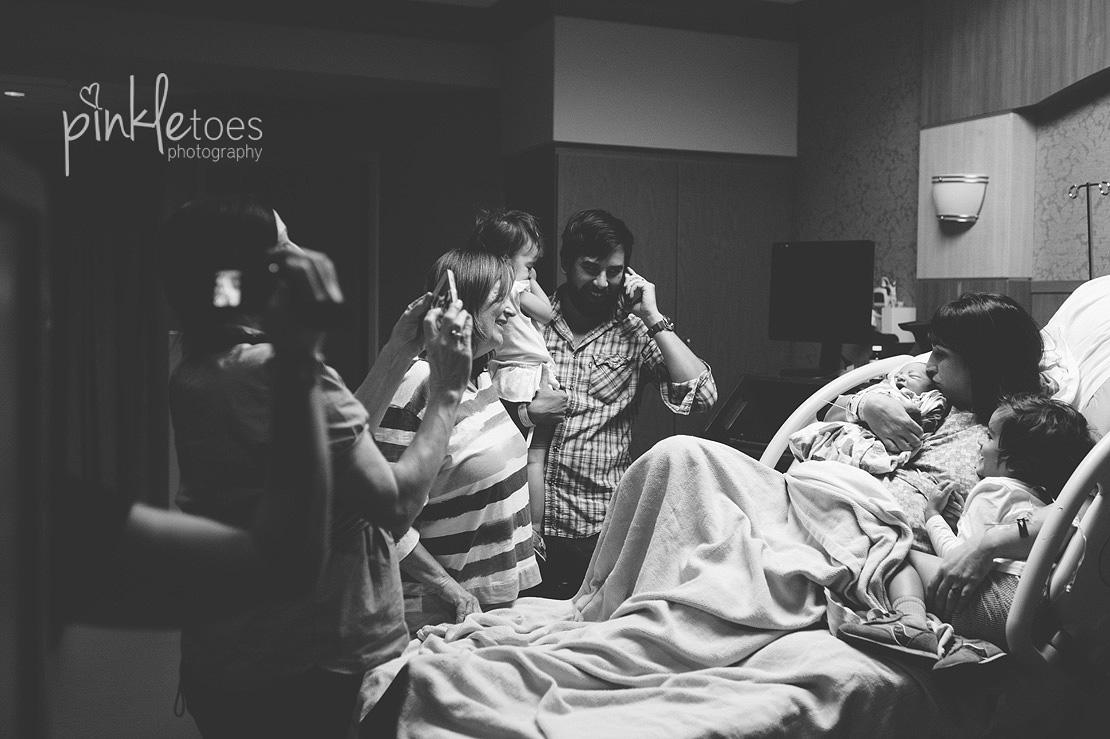 NEW-austin-birth-hospital-newborn-baby-photography-05