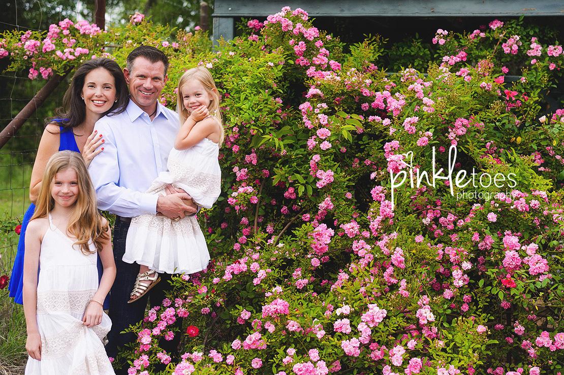austin-family-classic-portraiture-girls-white-dresses-texas-wildflowers-stream-06