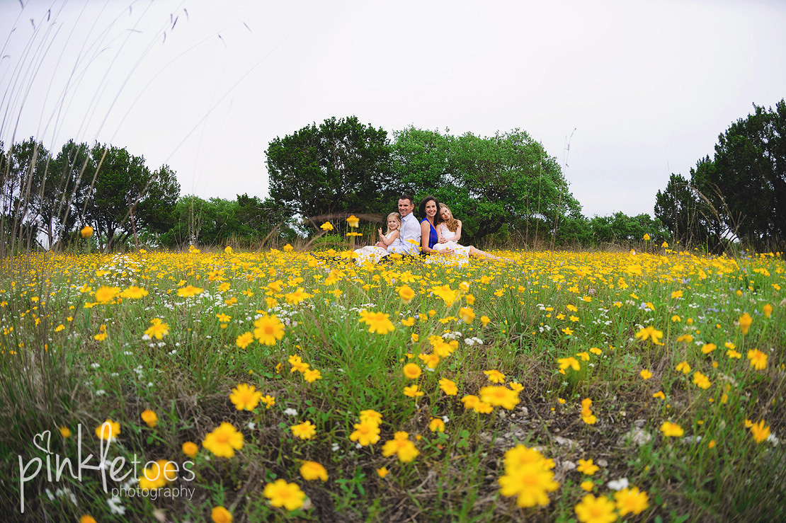austin-family-classic-portraiture-girls-white-dresses-texas-wildflowers-stream-09