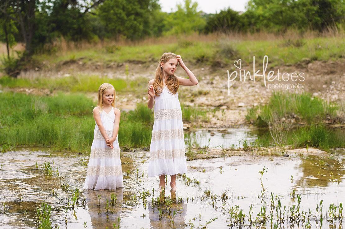 austin-family-classic-portraiture-girls-white-dresses-texas-wildflowers-stream-18