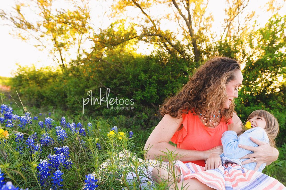 austin-pflugerville-round-rock-georgetown-lifestyle-family-photographer-texas-wildflowers-08