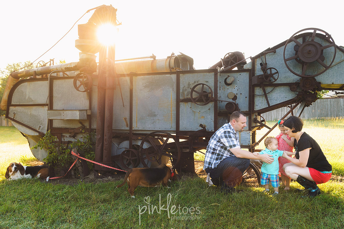 011-austin-family-photographer-photo-session-creek-pflugerville-11