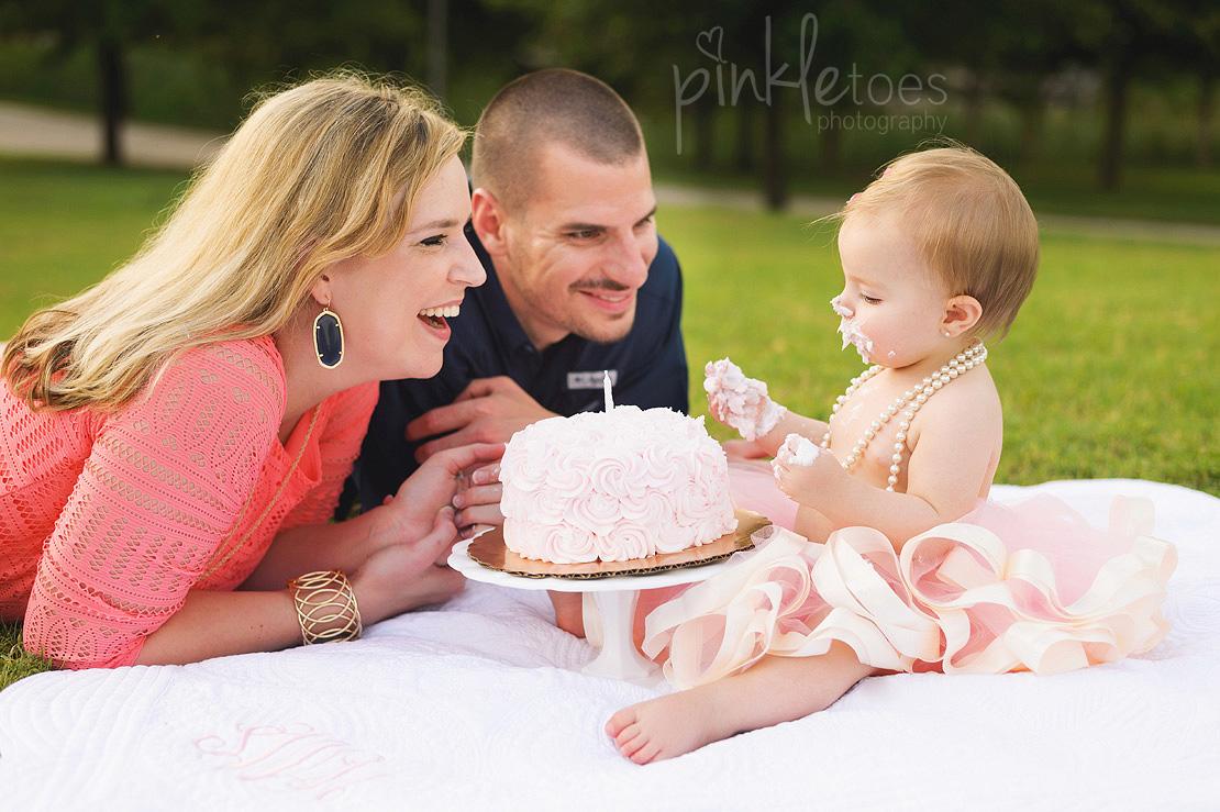 austin-first-birthday-baby-cake-smash-urban-downtown-city-family-lifestyle-photographer-12