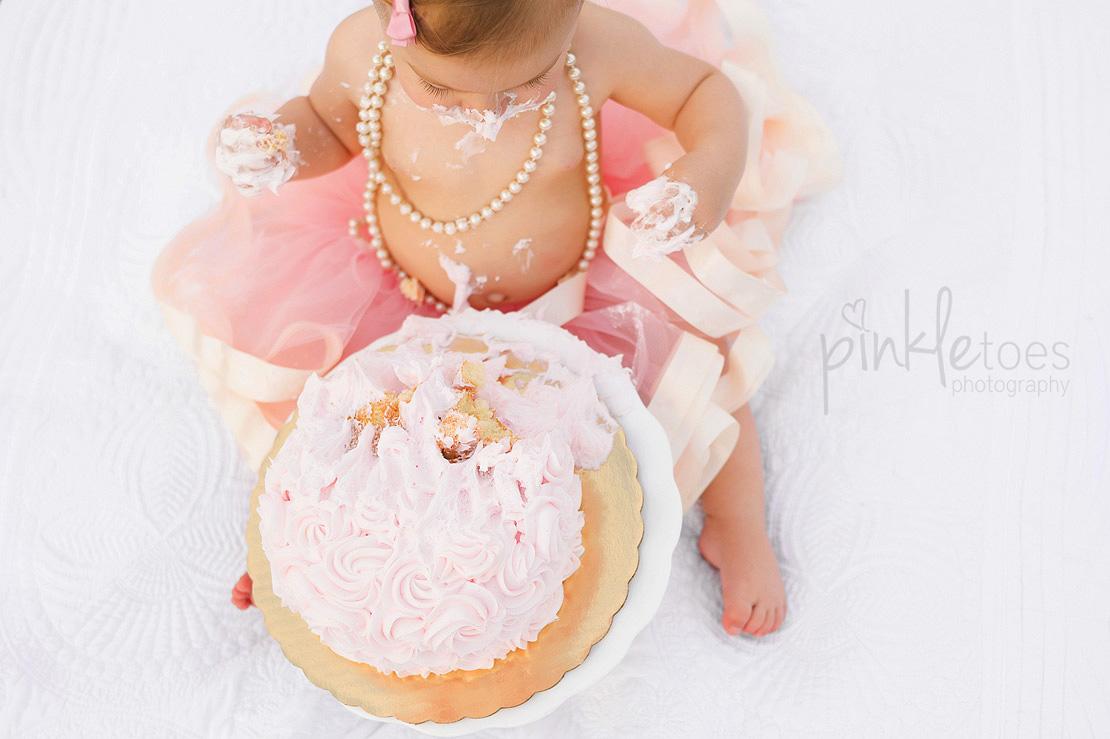 austin-first-birthday-baby-cake-smash-urban-downtown-city-family-lifestyle-photographer-13