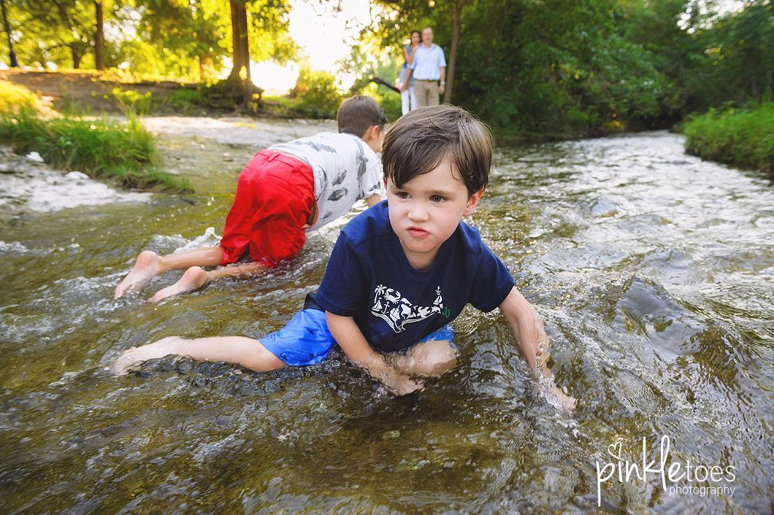 austin-kids-summer-family-fun-candid-photography-texas-creek-12