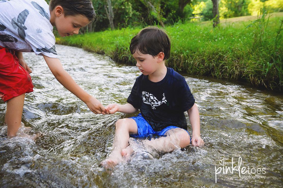 austin-kids-summer-family-fun-candid-photography-texas-creek-13