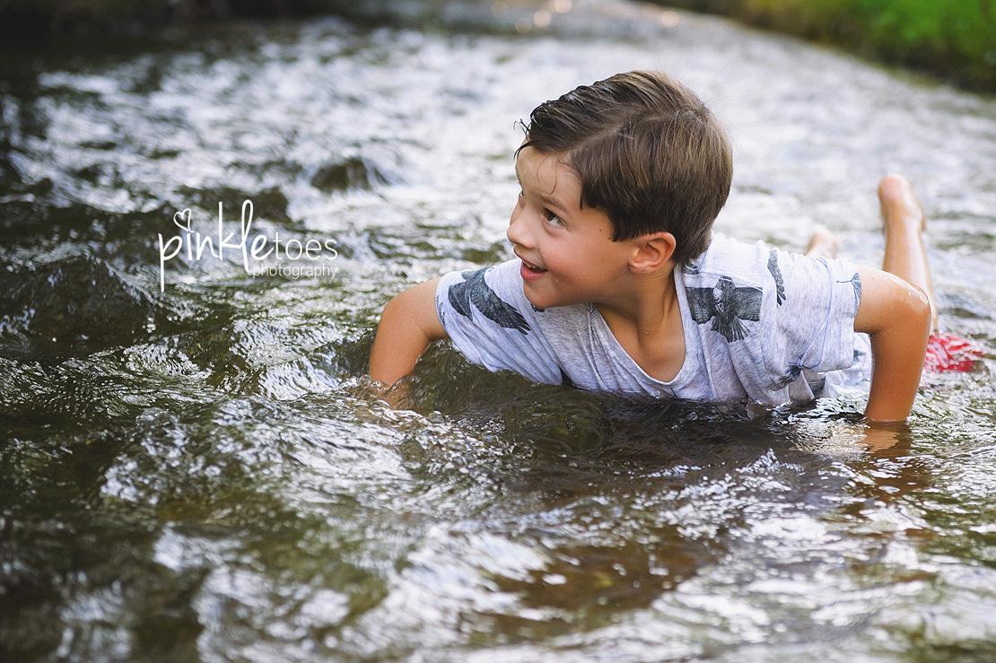 austin-kids-summer-family-fun-candid-photography-texas-creek-14