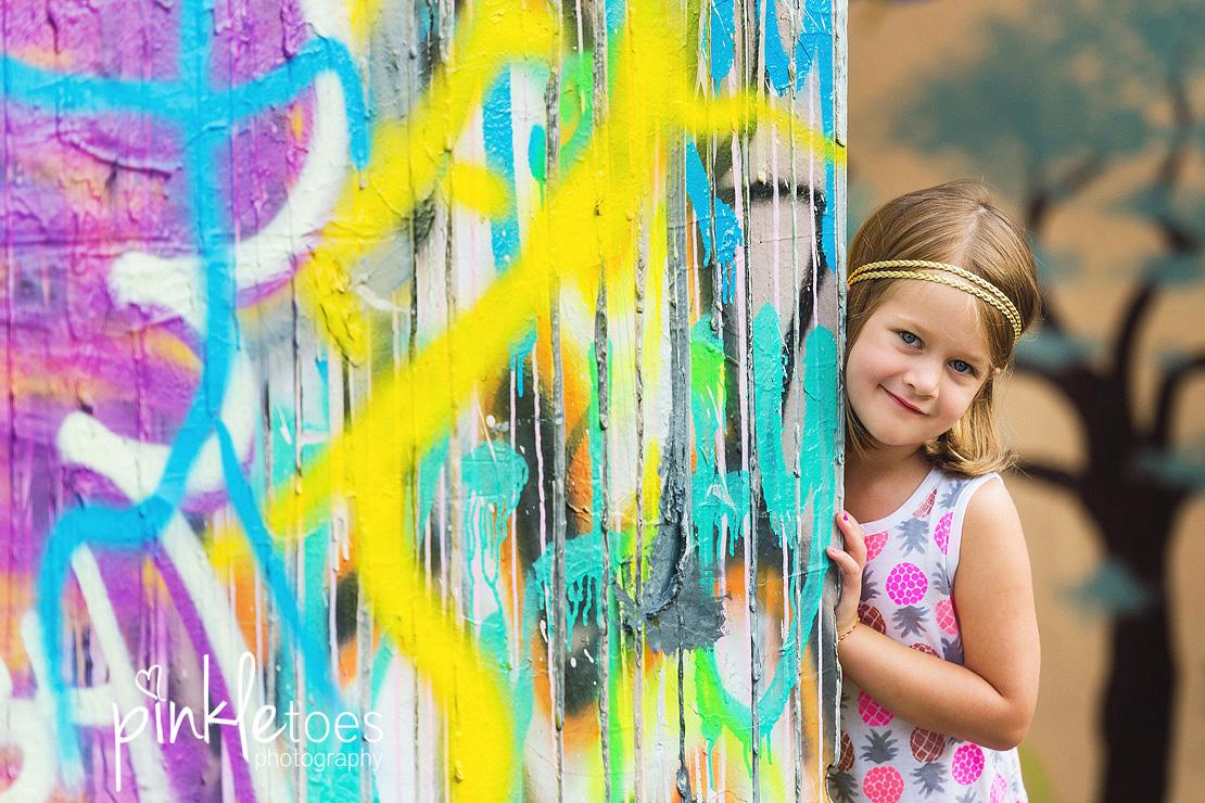 austin-graffiti-park-family-urban-colorful-kids-photography-09