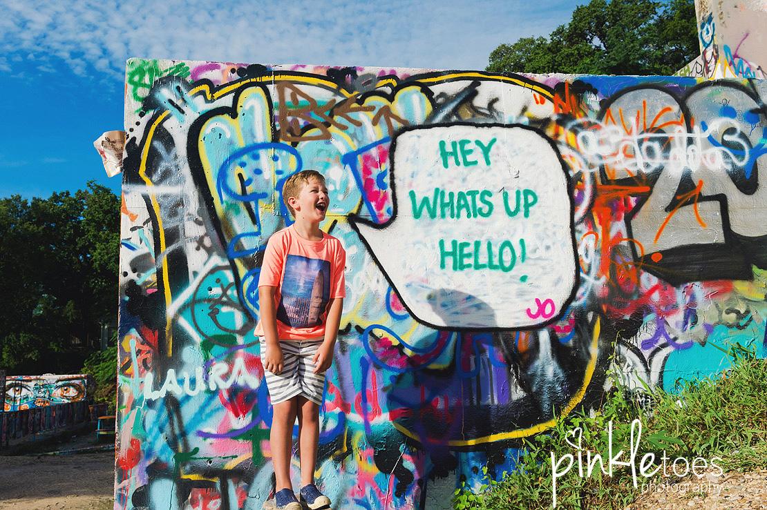austin-graffiti-park-family-urban-colorful-kids-photography-22