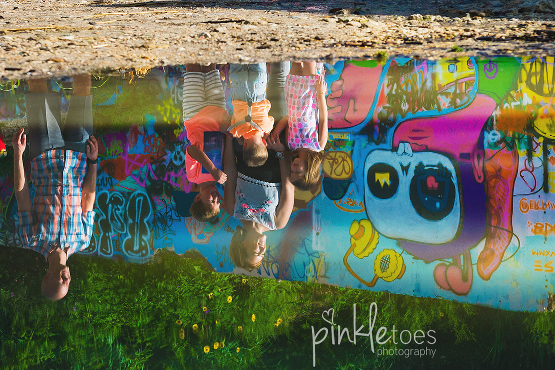 austin-graffiti-park-family-urban-colorful-kids-photography-25
