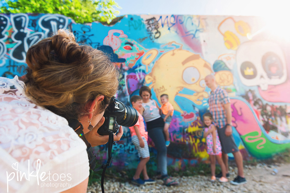 austin-graffiti-park-family-urban-colorful-kids-photography-30