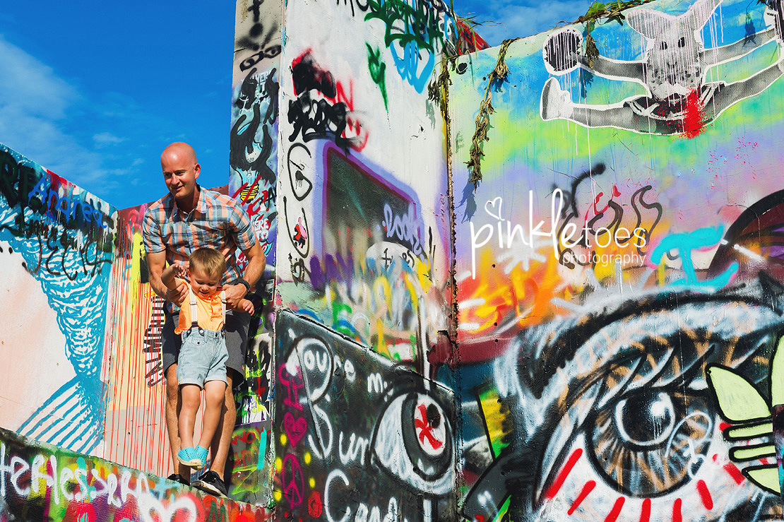 b-austin-graffiti-park-family-urban-colorful-kids-photography-23