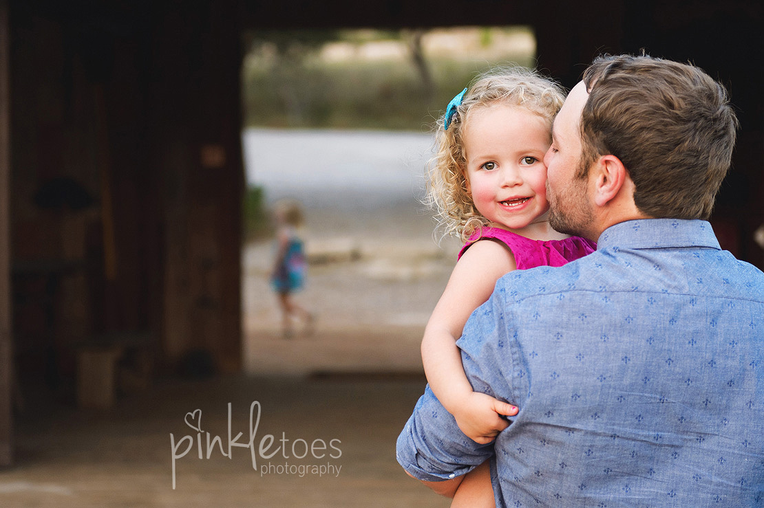 austin-outdoor-nature-natural-lifestyle-family-photography-41