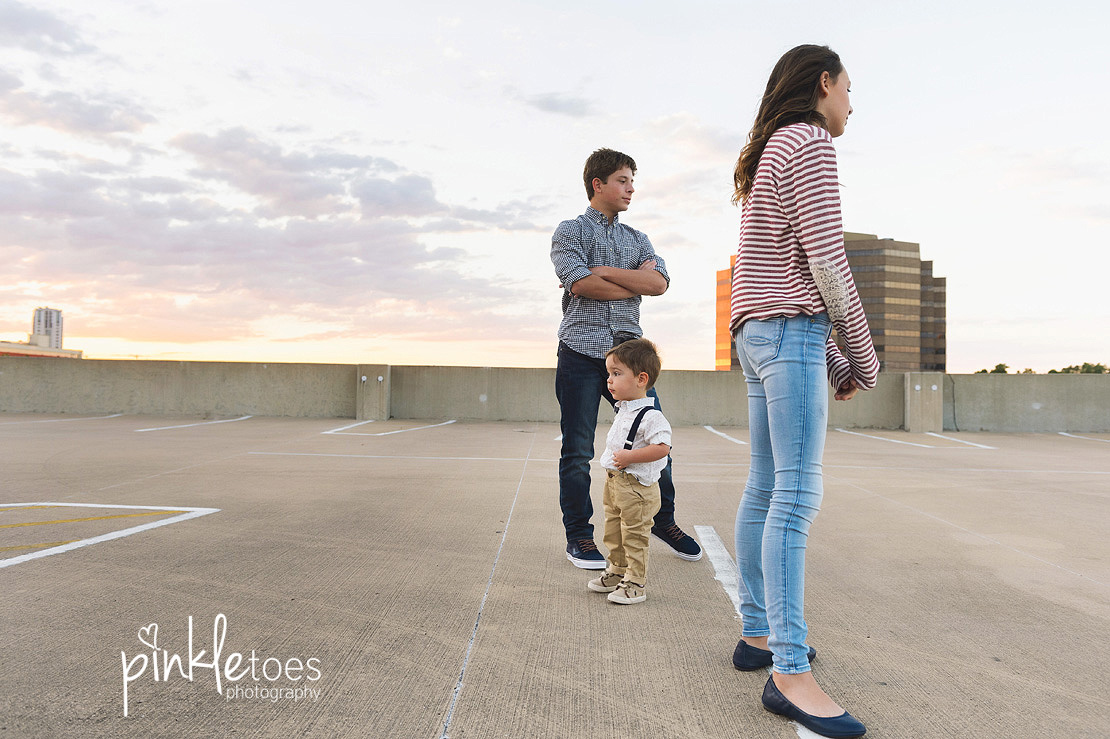 candid-austin-lifestyle-relaxed-city-urban-family-photography-02