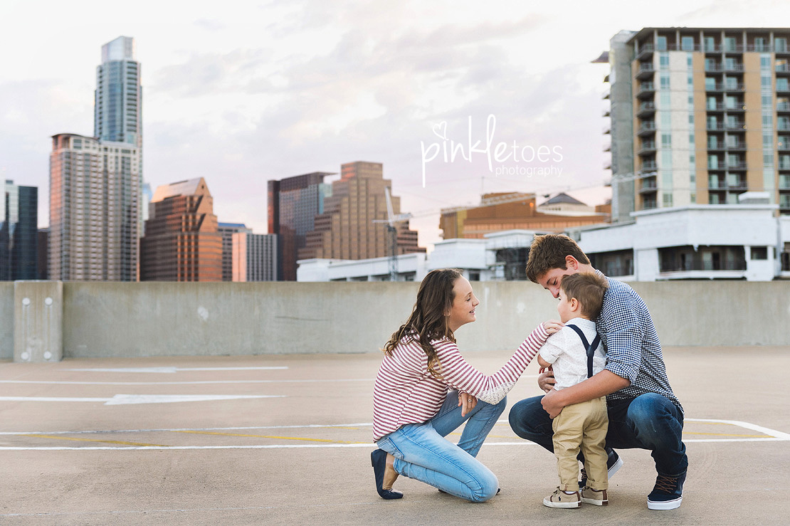 candid-austin-lifestyle-relaxed-city-urban-family-photography-03