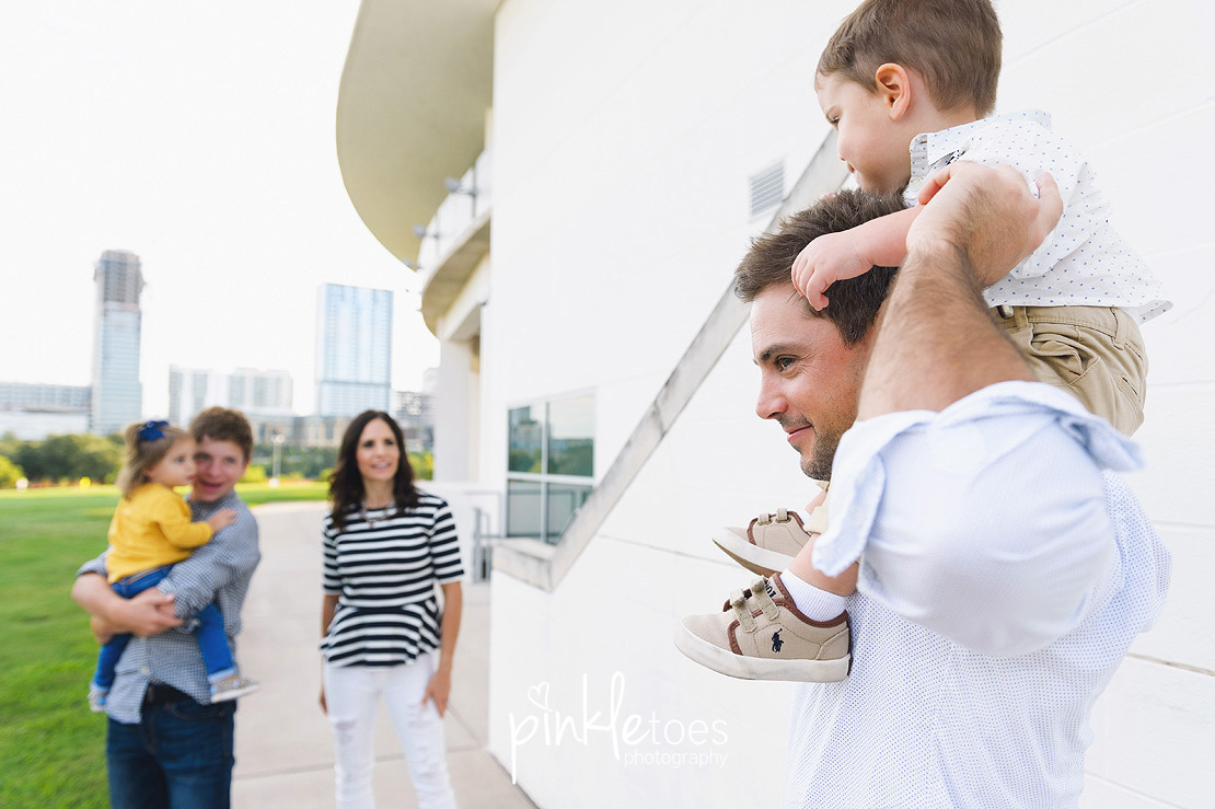 candid-austin-lifestyle-relaxed-city-urban-family-photography-22
