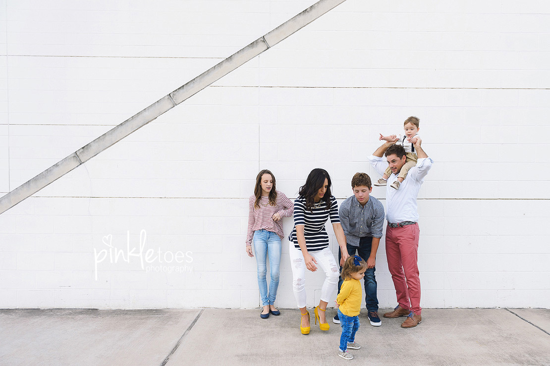 candid-austin-lifestyle-relaxed-city-urban-family-photography-23