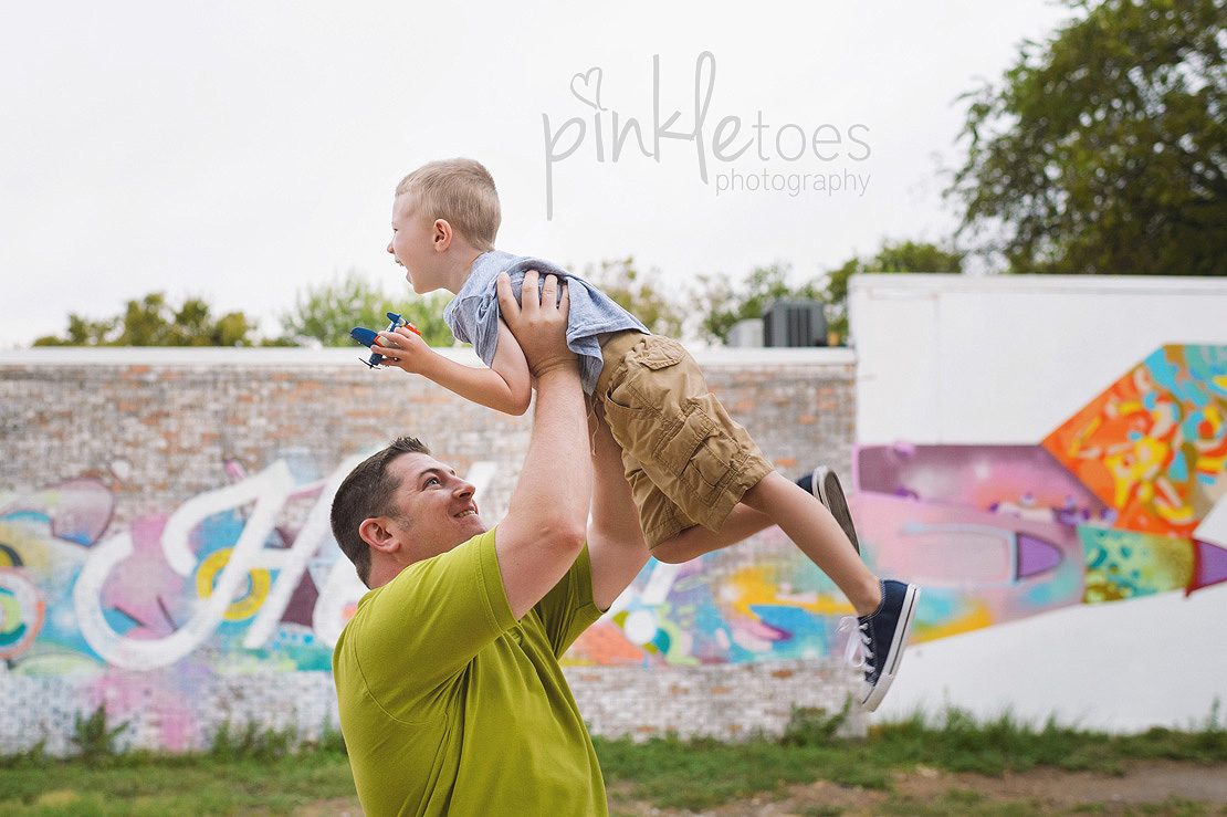 austin-colorful-bright-family-kids-hello-urban-photography-06
