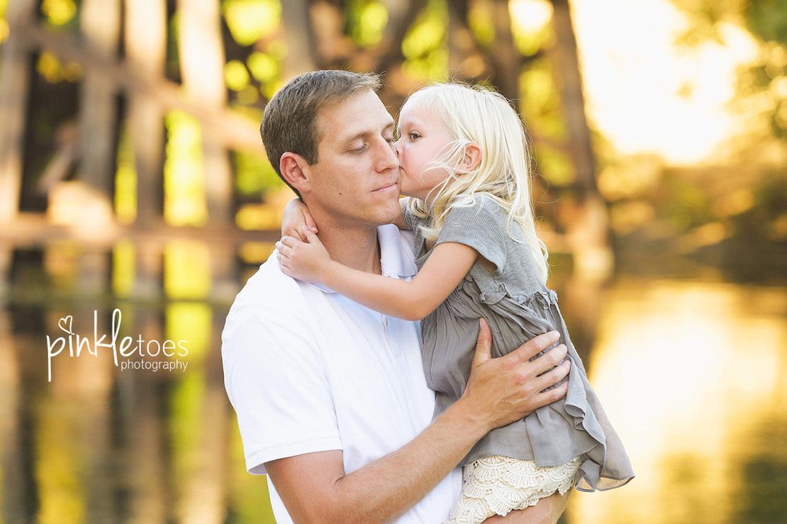 austin-san-marcos-river-canoe-family-kids-photography-04