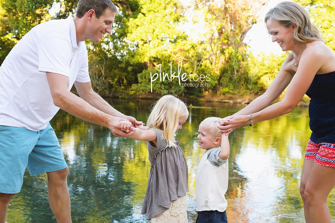 austin-san-marcos-river-canoe-family-kids-photography-05