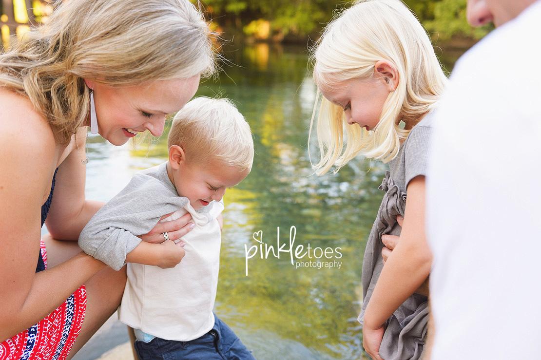 austin-san-marcos-river-canoe-family-kids-photography-10