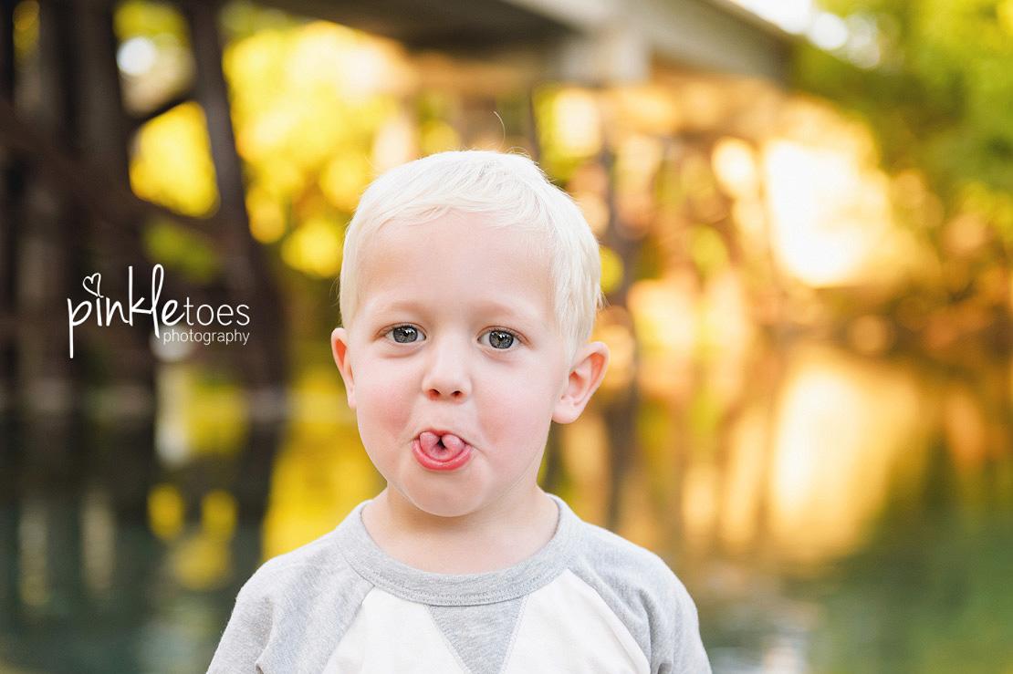 austin-san-marcos-river-canoe-family-kids-photography-12
