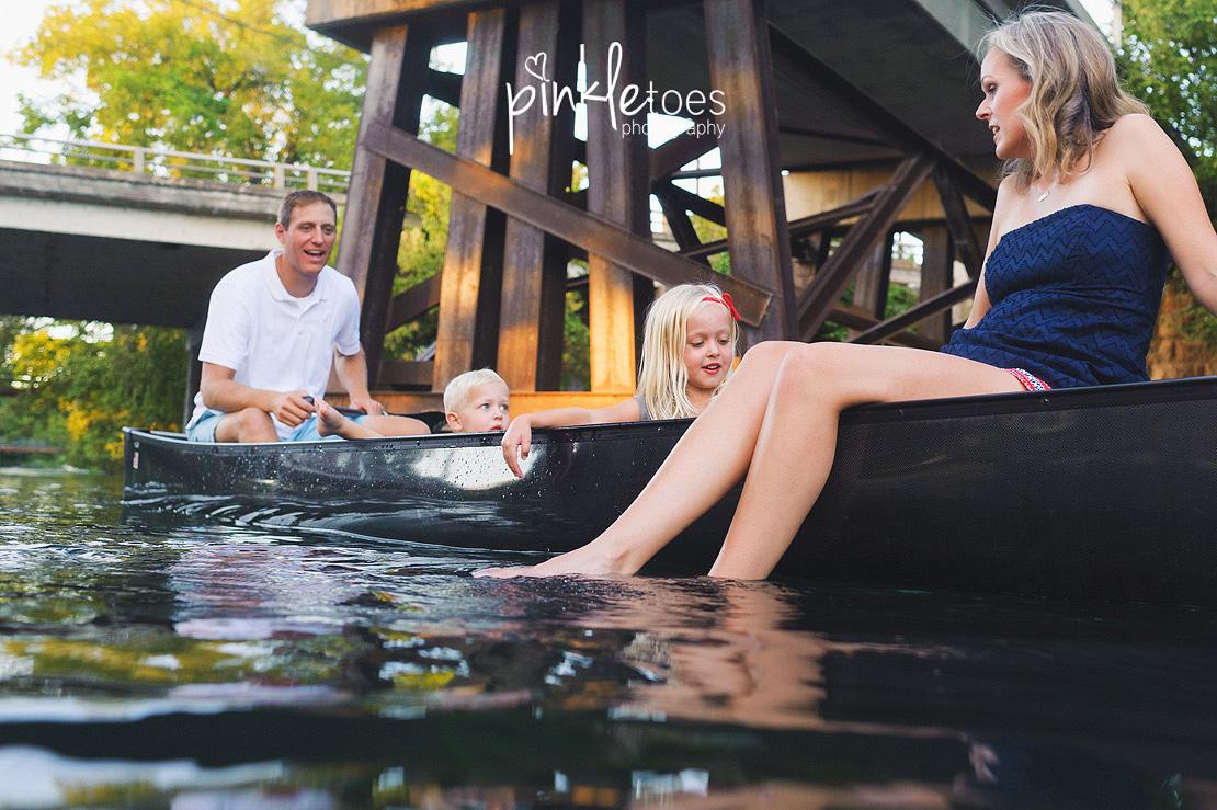 austin-san-marcos-river-canoe-family-kids-photography-19