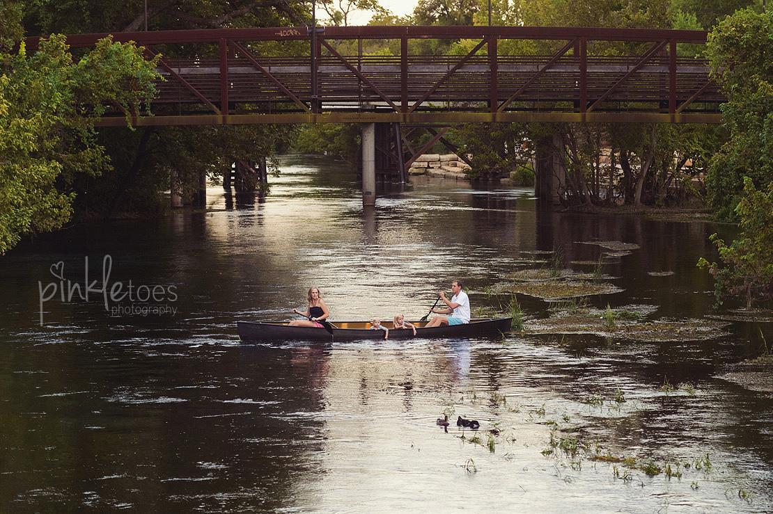 austin-san-marcos-river-canoe-family-kids-photography-24