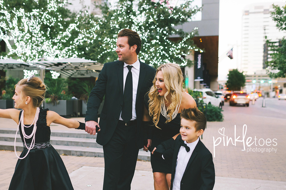 austin-chic-downtown-city-lights-family-kids-photography-16