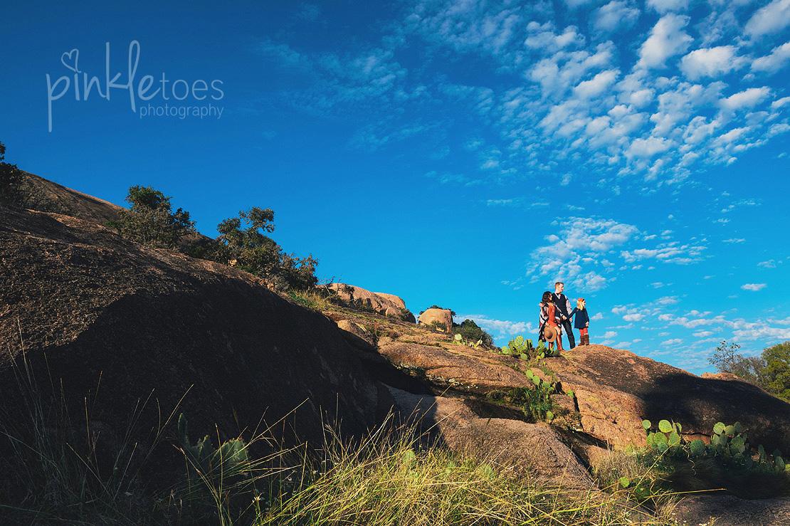 austin-desert-enchanted-rock-family-lifestyle-photography-01
