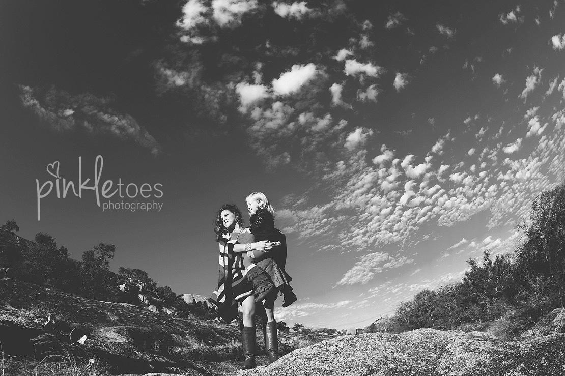 austin-desert-enchanted-rock-family-lifestyle-photography-07