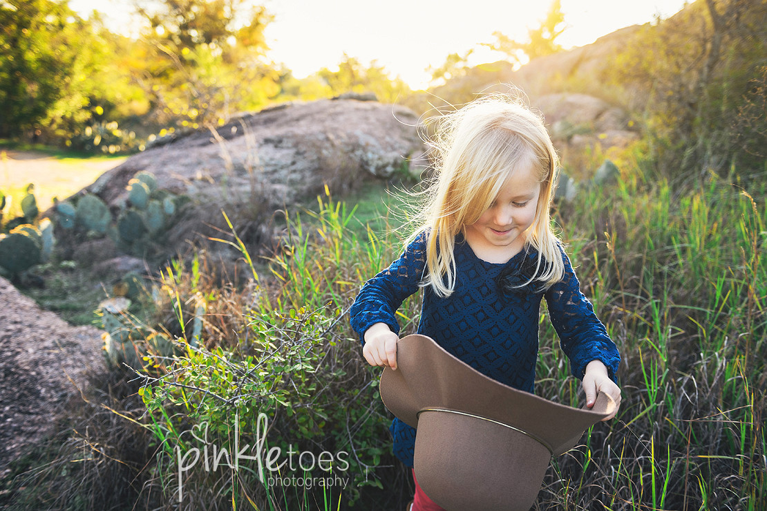 austin-desert-enchanted-rock-family-lifestyle-photography-09