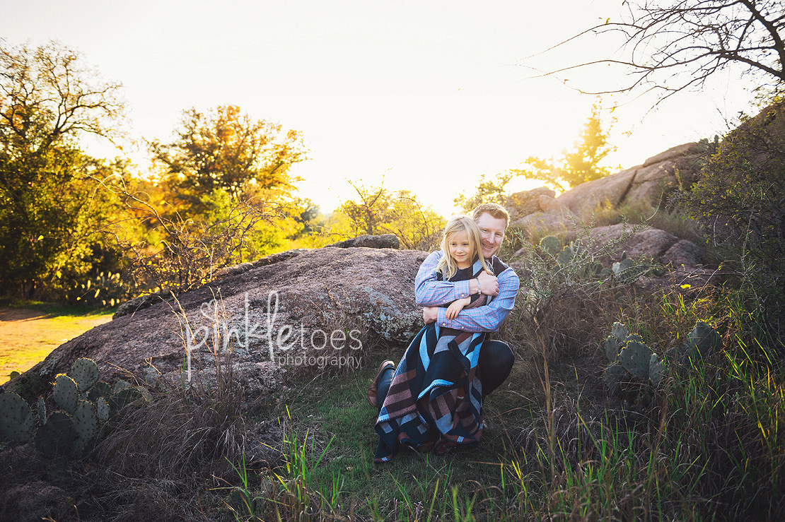 austin-desert-enchanted-rock-family-lifestyle-photography-14
