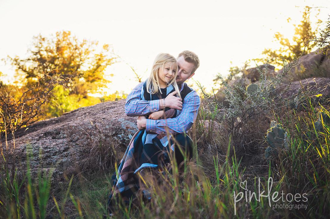 austin-desert-enchanted-rock-family-lifestyle-photography-15